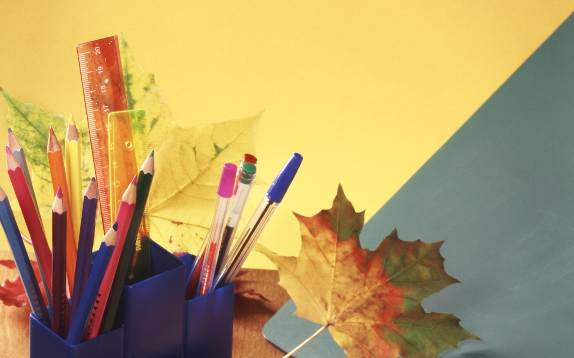 stihi 1sep 03 - В руках портфель, цветы
